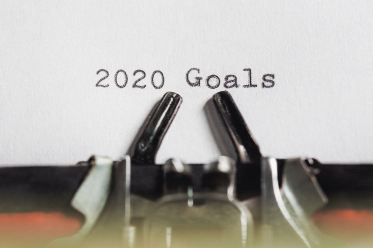 2020 Goals On A Typewriter Machine