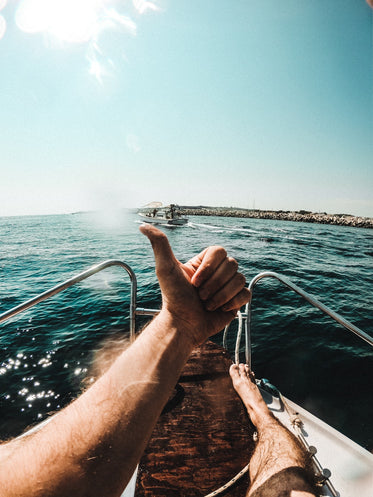 a big thumbs up to boating!