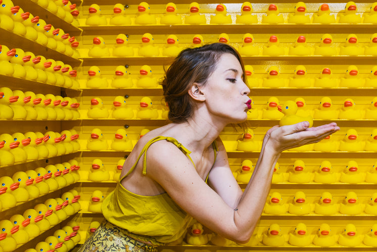 a-model-kisses-rubber-ducks-in-search-of