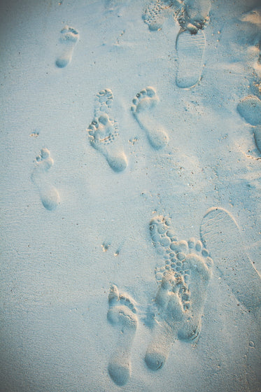 beach sand footprints