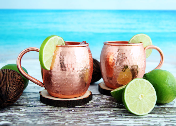 Beach Side Moscow Mule Cocktails