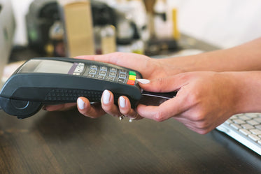 High Res Card Reader Payment Picture — Free Images