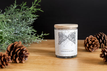 cedarwood and moss candle