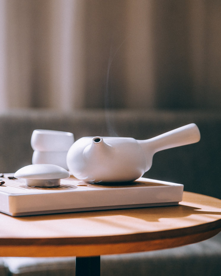 chinese-tea-service.jpg?width=746&format