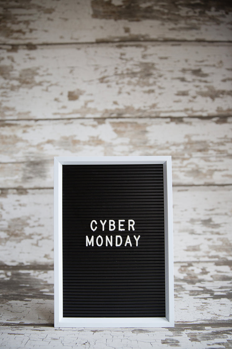 Cyber Monday Center Vertical