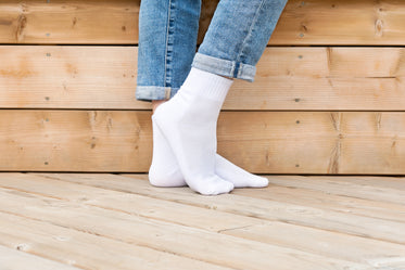 feet pose white sport sock