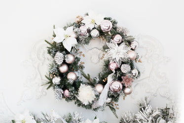 festive wreath in pink and gold