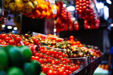 Free Fresh Tomato Market Photo — High Res Pictures