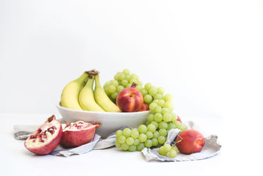 fruit bowl with linnens