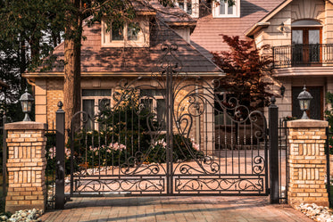 Free Gated House Exterior Photo — High Res Pictures