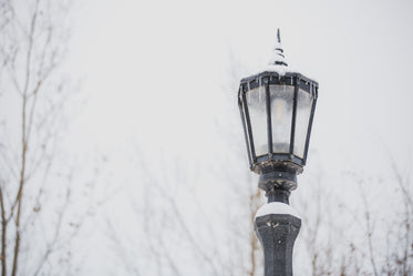 Free Lamppost In Winter Photo — High Res Pictures