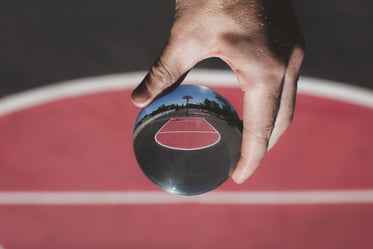 lensball red and black basketball court