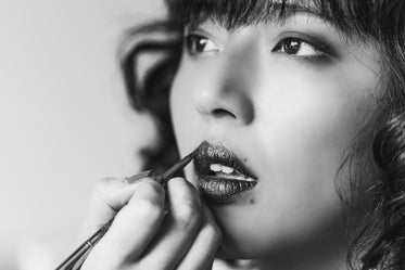 lip gloss in black and white