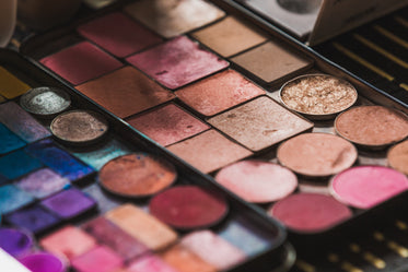 Free Stock Photo of Makeup Shadows And Blushes — HD Images