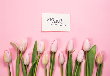 mom card and pink flowers