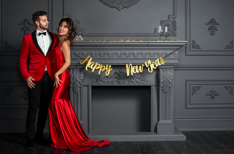 new-years-eve-king-and-queen.jpg?width=7