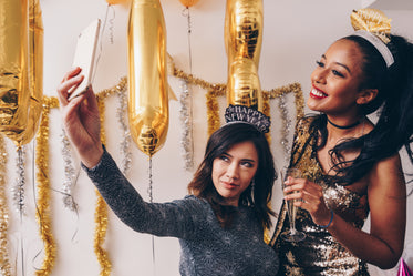 new years party friends selfie