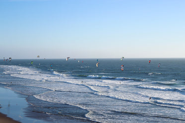ocean waves kites surfing