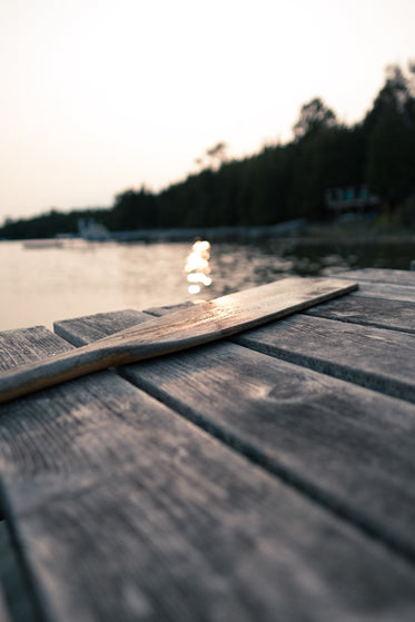 paddle on a dock