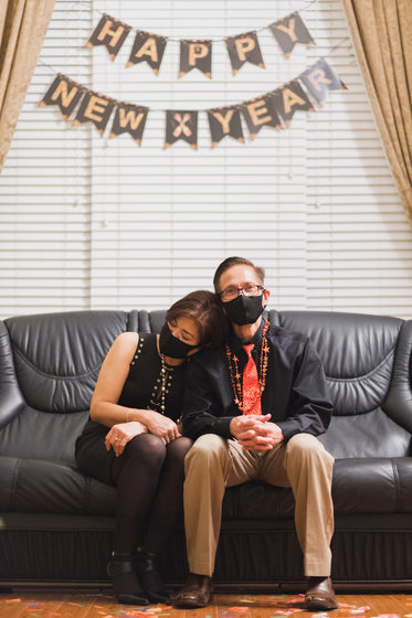 parents celebrating new year 2021 at home