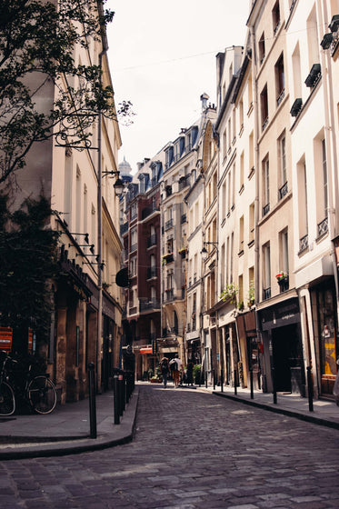 High Res Paris Streets Picture — Free Images