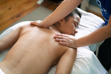 professional back massage therapy