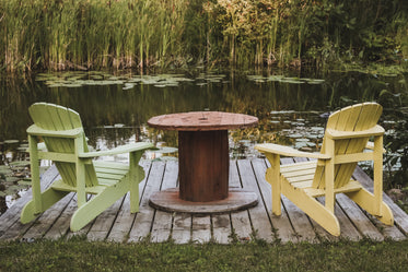 Free Relaxing Lake Side Chairs Photo — High Res Pictures