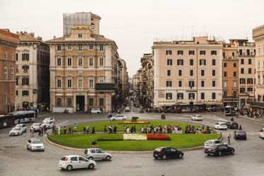 rome italy traffic roundabout