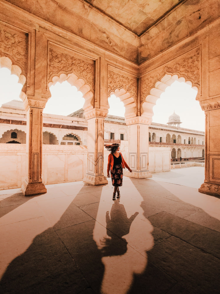 Spinning Under Arches In India