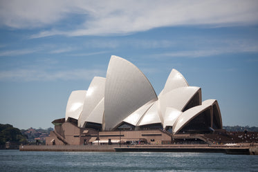 sydney opera house and harbor